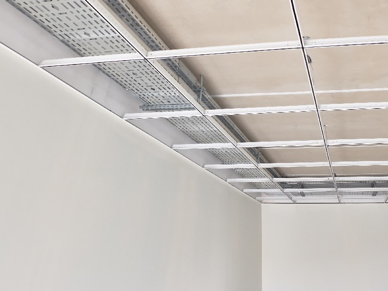 Découvrez les informations nécessaires en amont de la pose de faux plafond à Montfermeil | Tehni Oros