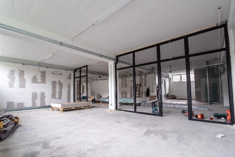 Des aménagements bien pensés pour une cuisine résolument moderne à Montfermeil | Tehni Oros